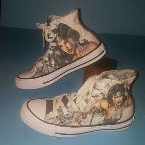 Rare Wonder Woman DC Comics Converse hi tops